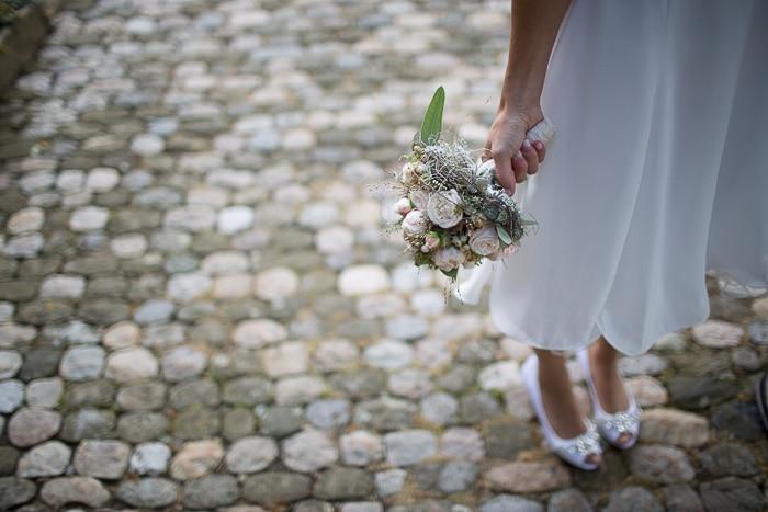 VSCO film 06 review wedding flowers