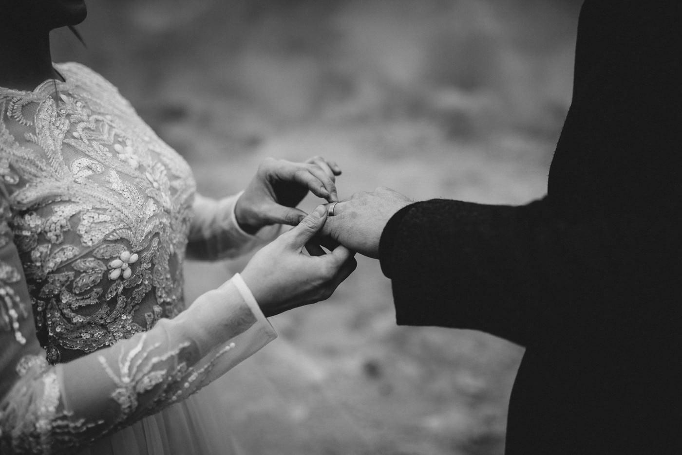 iceland-wedding-photographer-advenuture-elopement-iceland-photography_0032