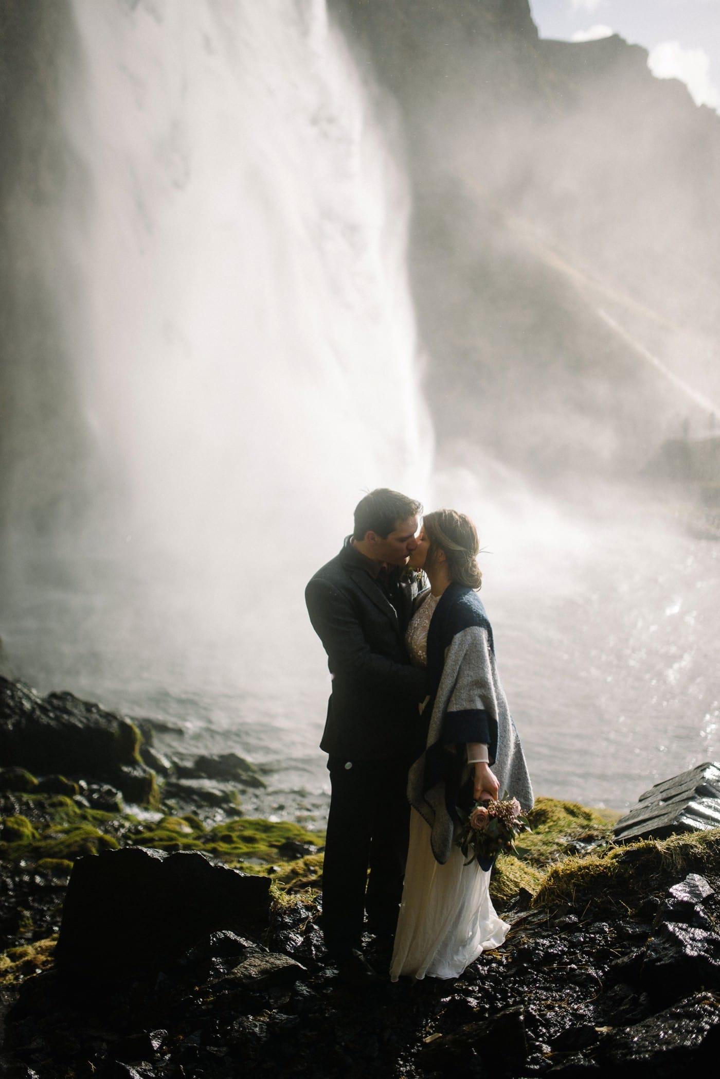 iceland-wedding-photographer-advenuture-elopement-iceland-photography_0056